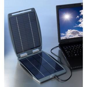 Powertraveller av märket Solargorilla laddar din laptop eller dator och är outstanding på solcellsmarknaden för laptops 2013.
