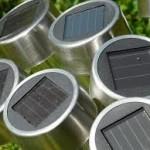 Solceller finns i många olika former. Tex solcellslampor.